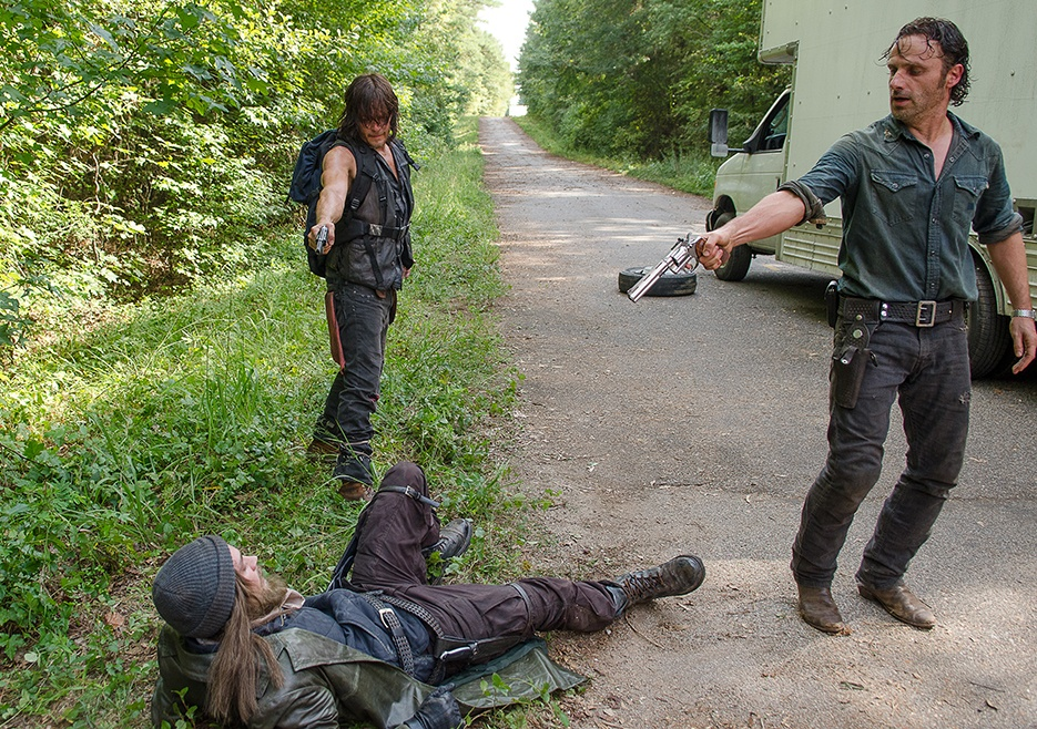 the-walking-dead-episode-610-rick-lincoln-2-935_2t2x
