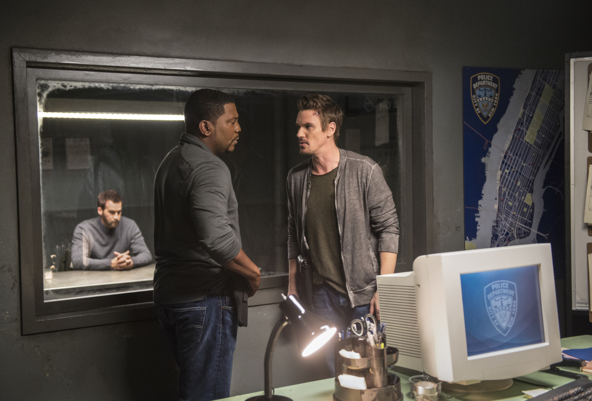 "Frequency -- ""Negative Copy"" -- Image Number: FRQ111a_0263b.jpg -- Pictured (L-R): Kenneth Mitchell as Deacon Joe Hurley, Mekhi Phifer as Satch and Riley Smith as Frank -- Photo: Diyah Pera/The CW -- © 2016 The CW Network, LLC. All rights reserved."