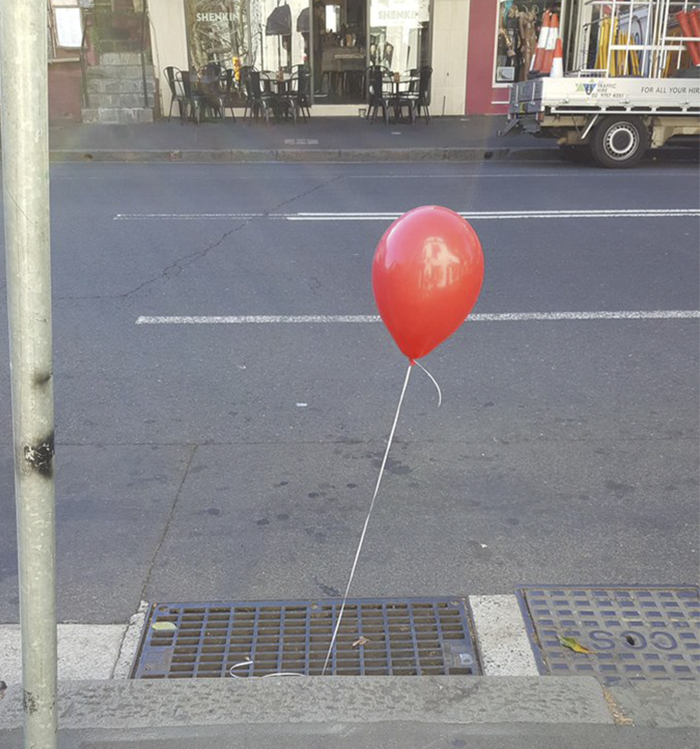 creepy-red-balloons-all-over-sydney-10